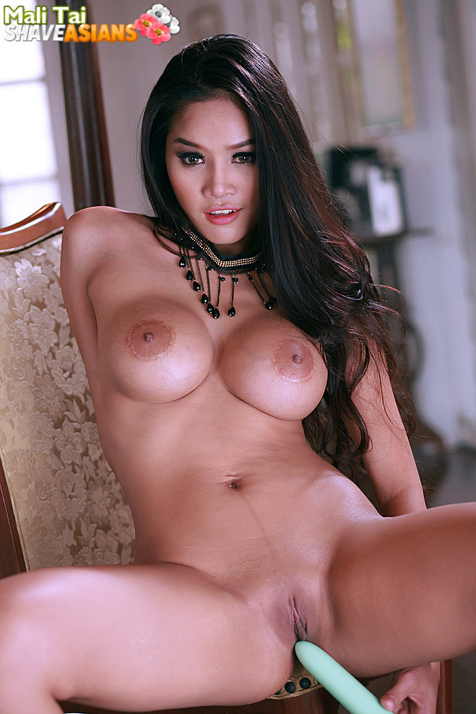 Perfect looking 16 shaved asians hot Ass was